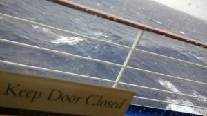 Roatan close door